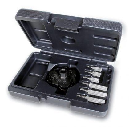 1493/C7 Háromkaros önszabályozó kulcs jobbmenetes/balmenetes olajszűrőkhöz cserélhető karokkal