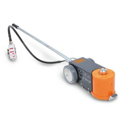 Beta 3065/20-10T 20-10 t hidropneumatikus emelő szállítótáskával